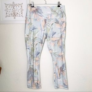 ❤️RBX Cropped Leggings Pastel Tropical Print M